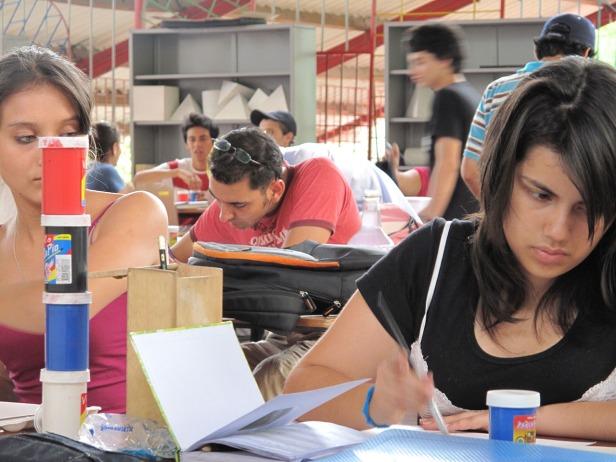 2010A_UT_STUDENT@WORK_006