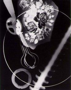 1943_Man ray_Rayon X_photogramme